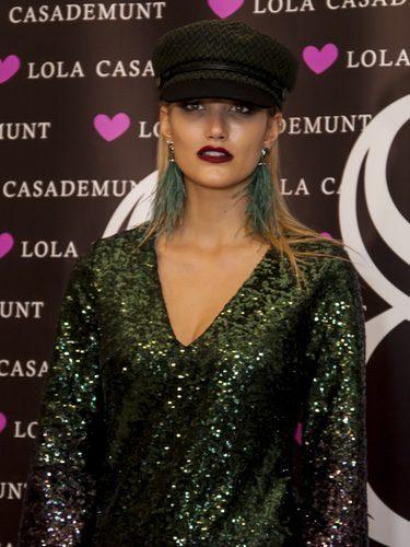 Alba Carrillo con un maquillaje oscuro