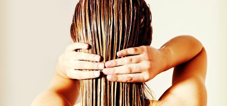 Antes de hacer las ondas aplica protector de calor para que la placha no dalle el cabello