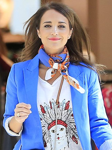 Paula Echevarría, con pañuelo