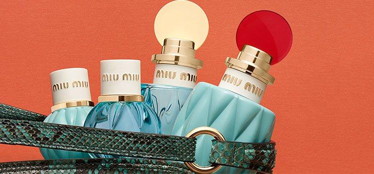 Tamaño original y nuevo formato de viaje de la colección 'Mini Miu' de Miu Miu