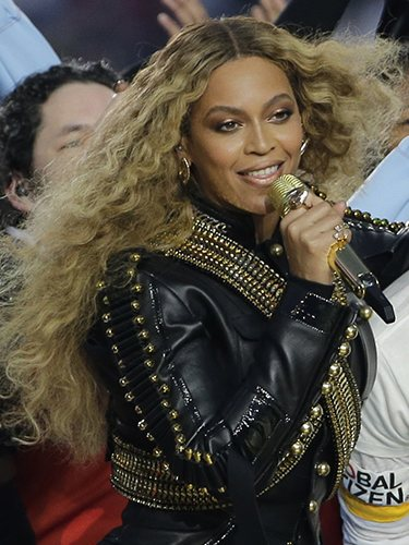La cantante Beyoncé, en la final de la Superbowl