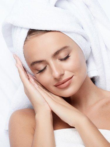 Acudir a una especialista para ver que tipo de crema va mejor con nuestra piel