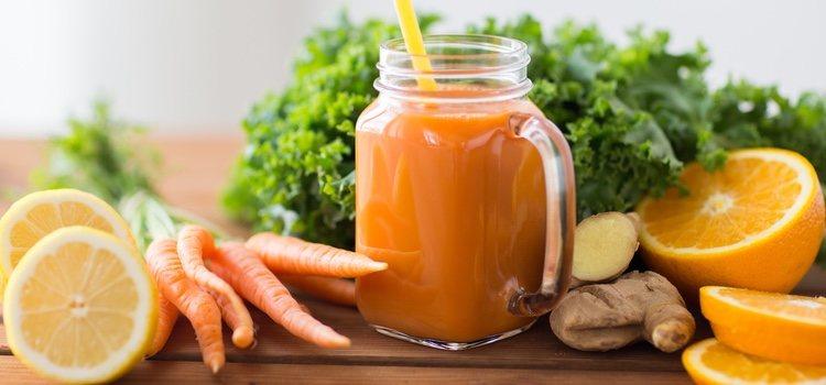 Las naranjas y las zanahorias te ayudarán a fortalecer tus pestañas