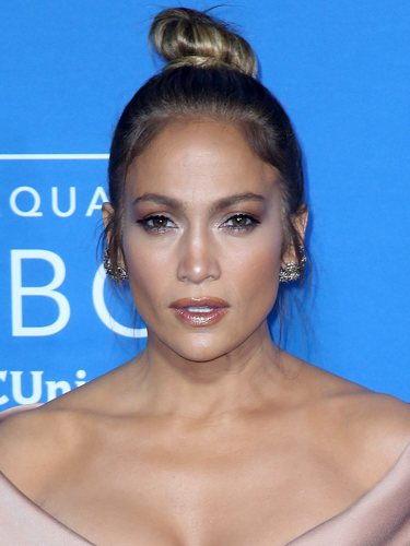 Jennifer Lopez, con un moño de bailarina