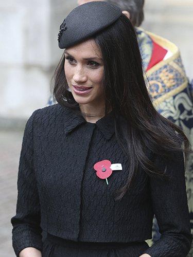 Meghan Markle, con un tocado negro