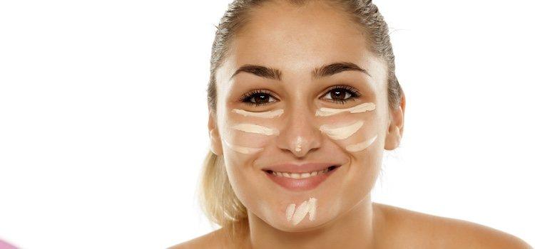 También podemos usar un corrector del mismo tono que nuestra piel