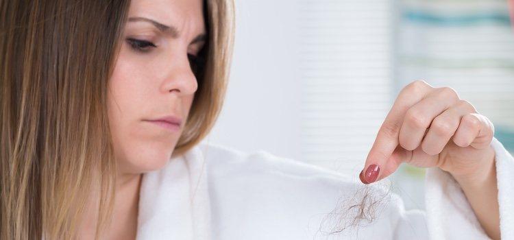 Una buena alimentación es fundamental para evitar la caída del cabello