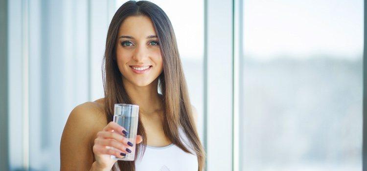 Es fundamental mantenernos hidratados tanto en verano como en invierno