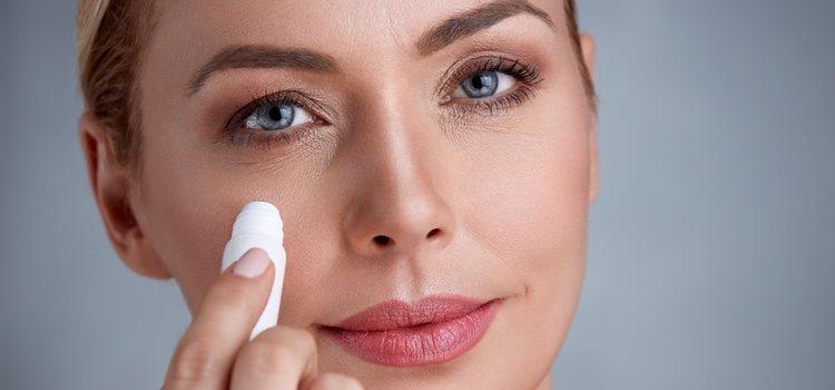 Un toque de iluminador dará más vitalidad a tu rostro