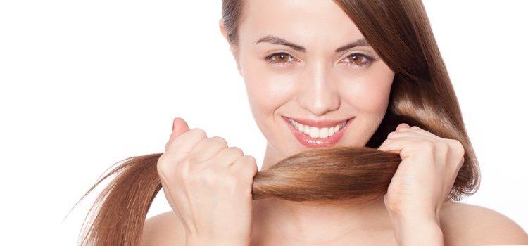 Existen mascarillas y champús con vitamina C que dan más brillo y fuerza al cabello