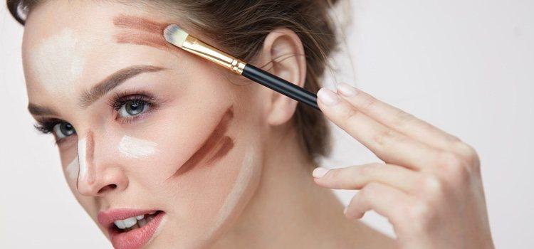 Los pómulos, la frente y la nariz don donde más incide el sol en la cara, así que hay que maquillarlos diferente