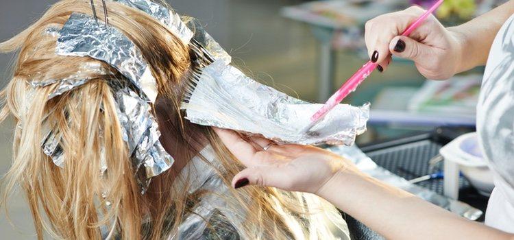 En el cabello las mechas balayage siguen apuntando con fuerza