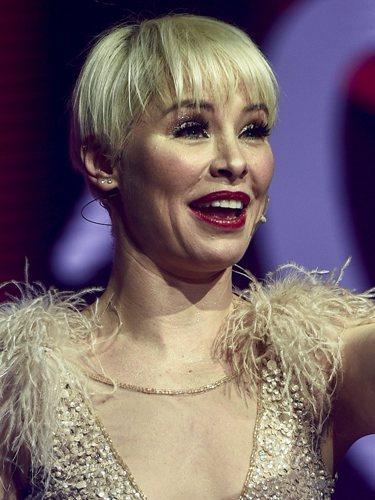 Soraya durante su actuación en La Noche de Cadena 100