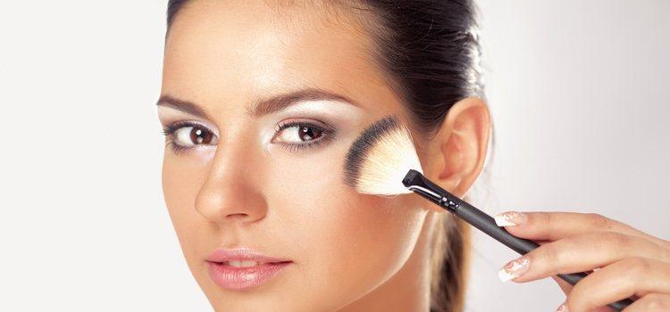 Cada brocha tiene una función diferente para aplicar el maquillaje correctamente