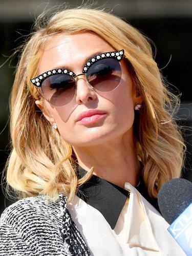 Paris Hilton luce una melena midi