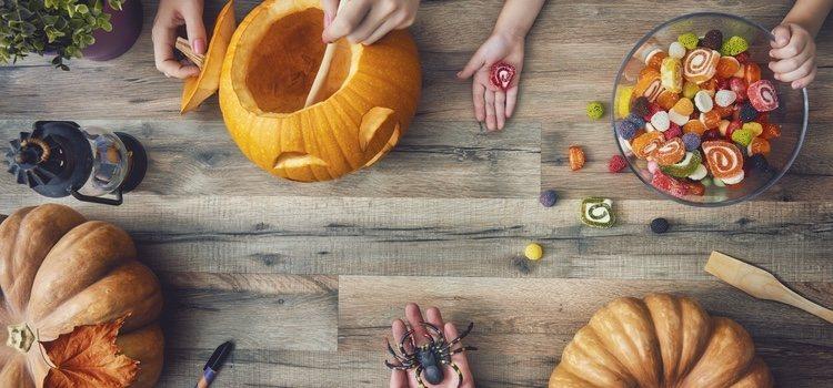 Los preparativos para la noche de Halloween además de comprados, también pueden ser caseros
