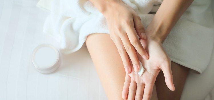 Mantener la piel hidratada es fundamental después de depilarse