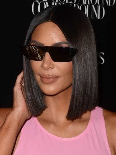 Kim Kardashian luce un corte carré