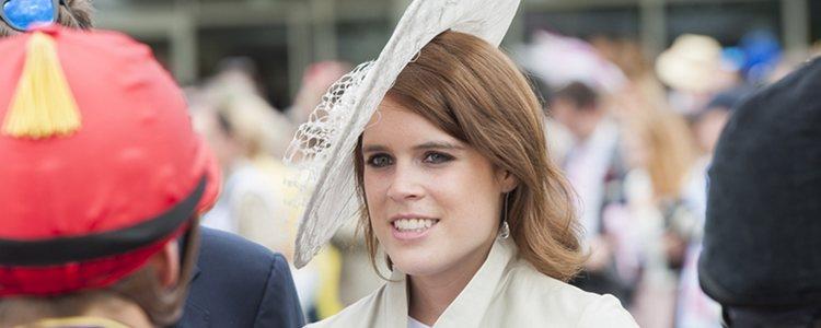 La princesa Eugenia de York luce un tocado