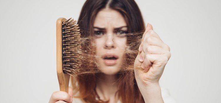 Hay diversos alimentos que fomentan la mejora de nuestro cabello