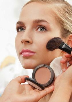 trucos de maquillaje para aprentar ser más delgada