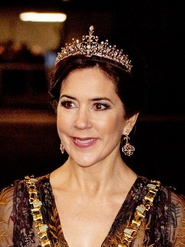 El delicado look de la Princesa Mary