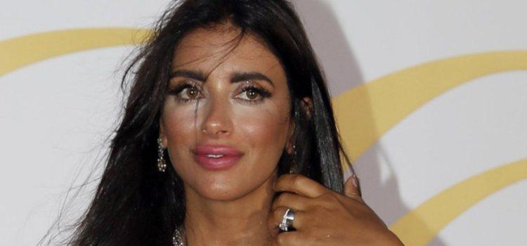 Daniella Semaan con un maquillaje excesivo