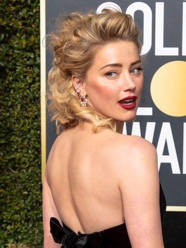 El desafortunado peinado de Amber Heard