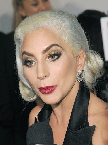 El pelo tricolor de Lady Gaga