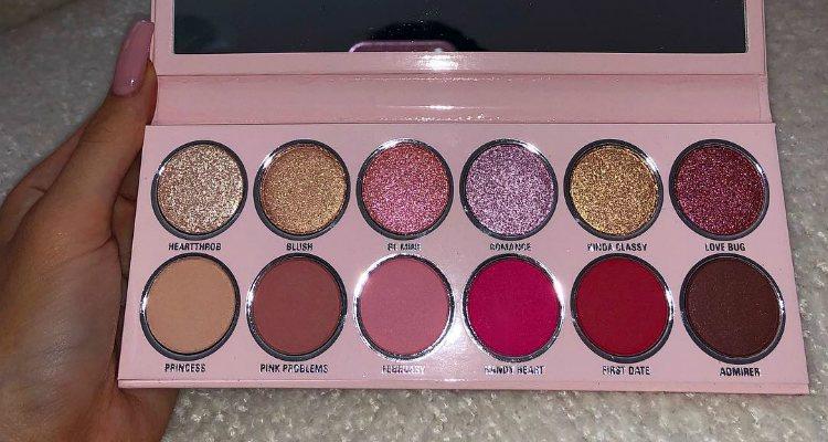 La paleta de sombras de ojos de la colección de Kylie Cosmetics para San Valentín 2019