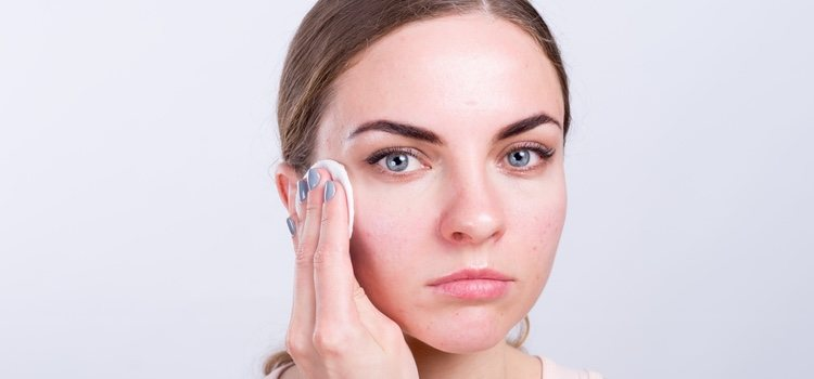 Para evitar también pequeñas imperfecciones es esencial mantenerse hidratada