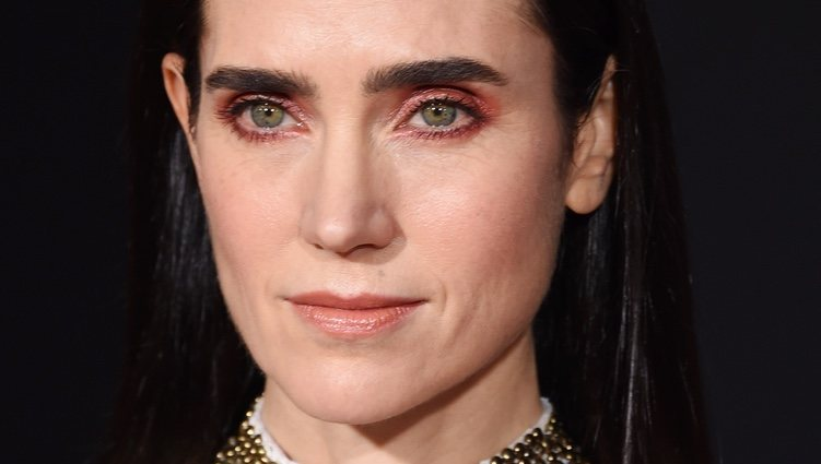 La sombra de ojos rosa de Jennifer Connelly