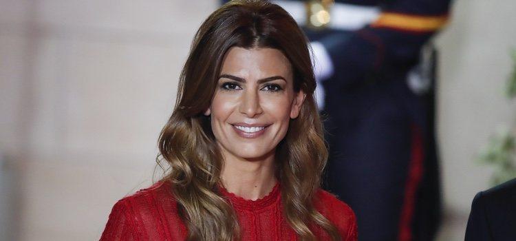 La Primera Dama argentina Juliana Awada acudió a la gala en honor de los Reyes Felipe y Letizia con un beauty look muy romantico y elegante