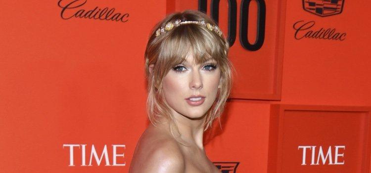 Taylor Swift con un recogido romántico en la gala de la revista Time