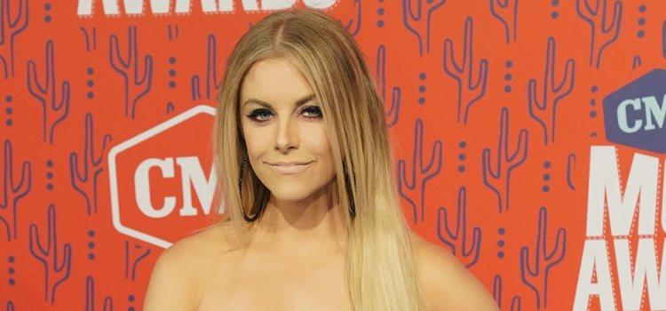 Lindsay Ell en los CMT Music Awards 2019