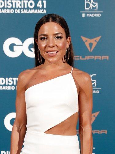 Paula Ordovás posa en la alfombra azul de la noche GQ 2019