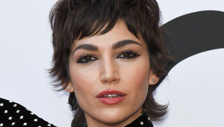 Úrsula Corberó ha lucido la tendencia de maquillaje ahumado que se ha convertido en la estrella de este verano