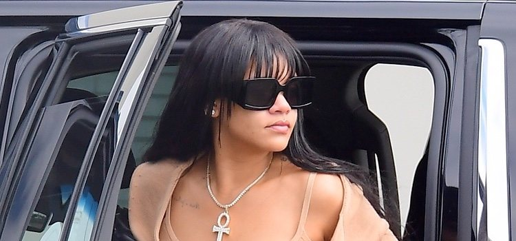 Rihanna y su flequillo sin vida