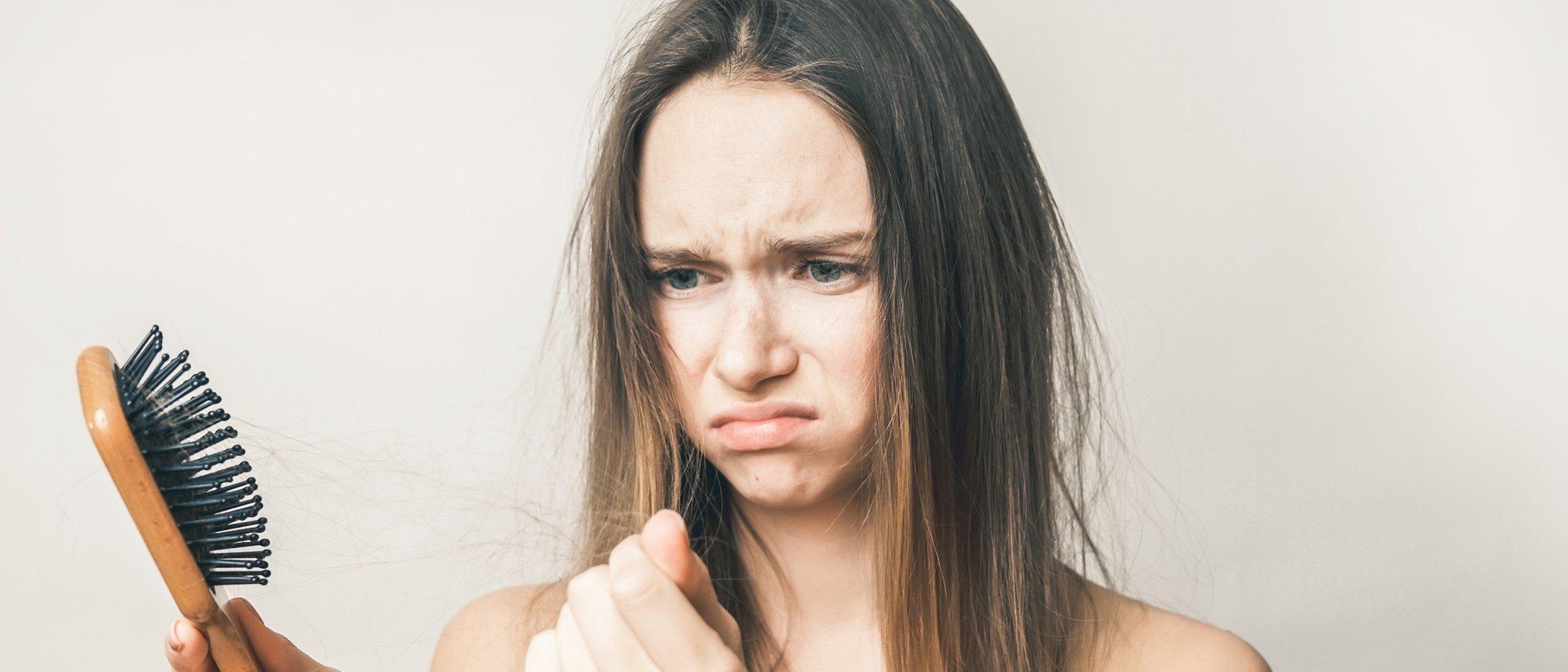 ¿Por qué se nos cae el pelo en otoño?