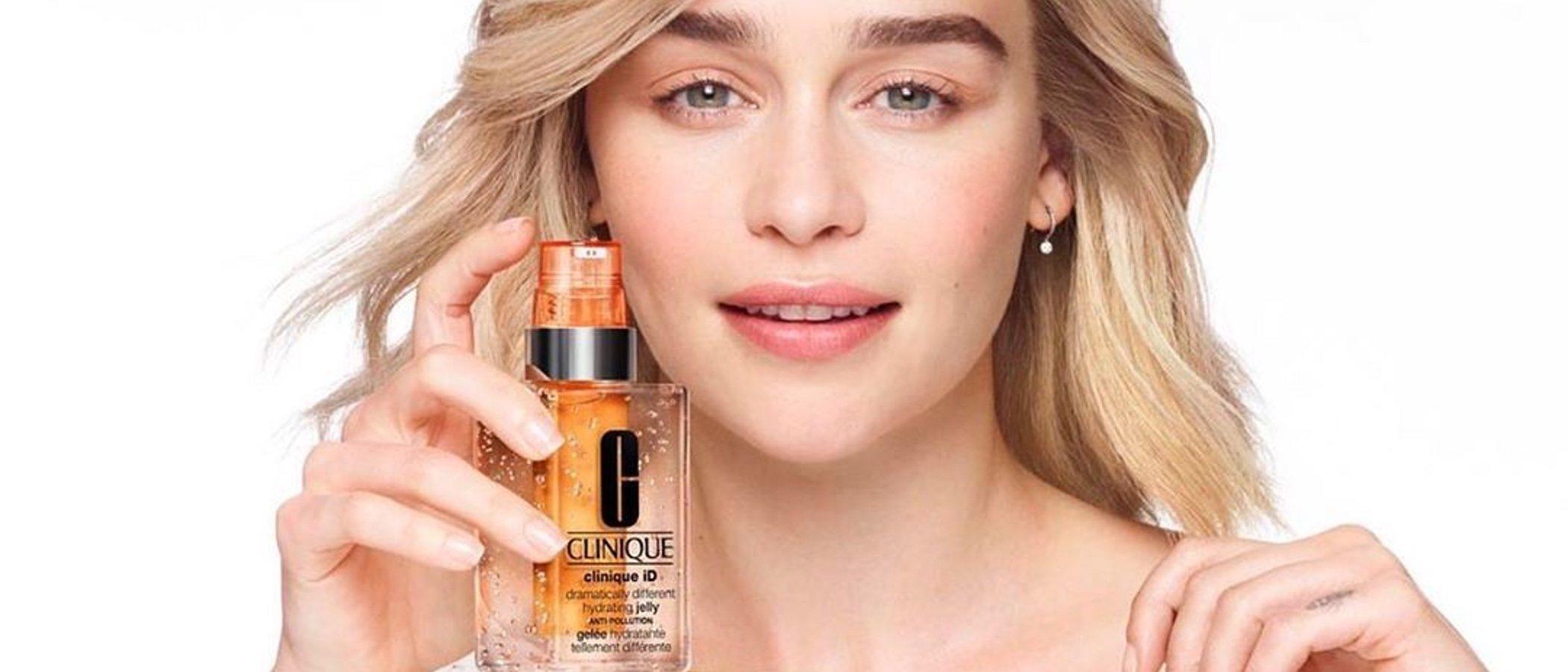 Clinique presenta a Emilia Clarke como su nueva embajadora