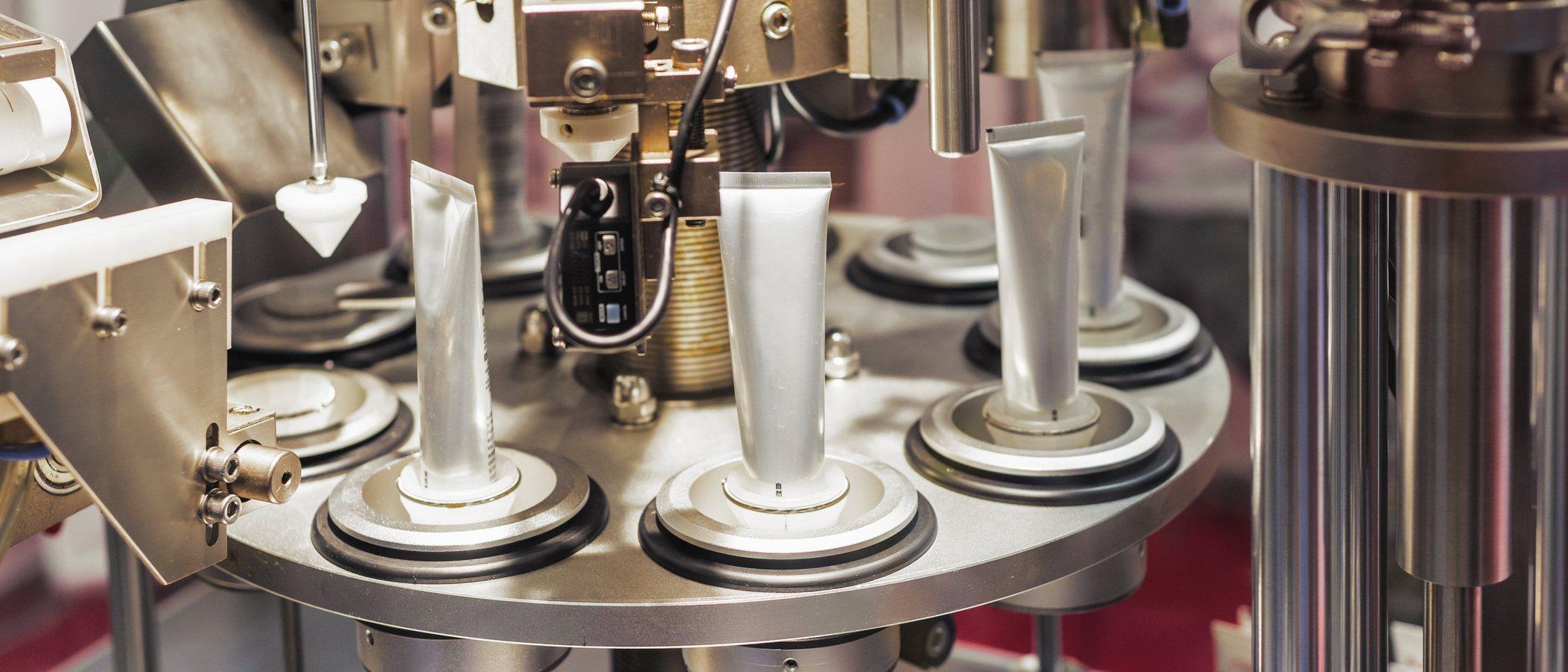 Esteé Lauder se suma a la fabricación de gel desinfectante y dona dos millones de dólares