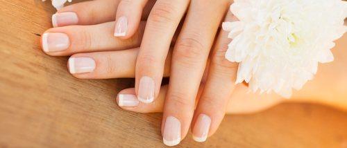 Manicura francesa: uñas cuidadas y naturales
