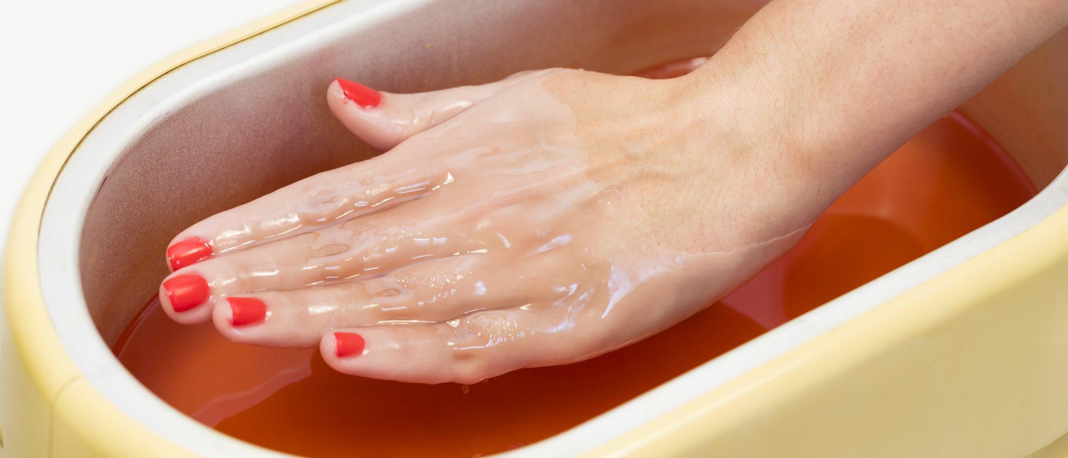 Tratamiento con parafina para hidratar manos y pies