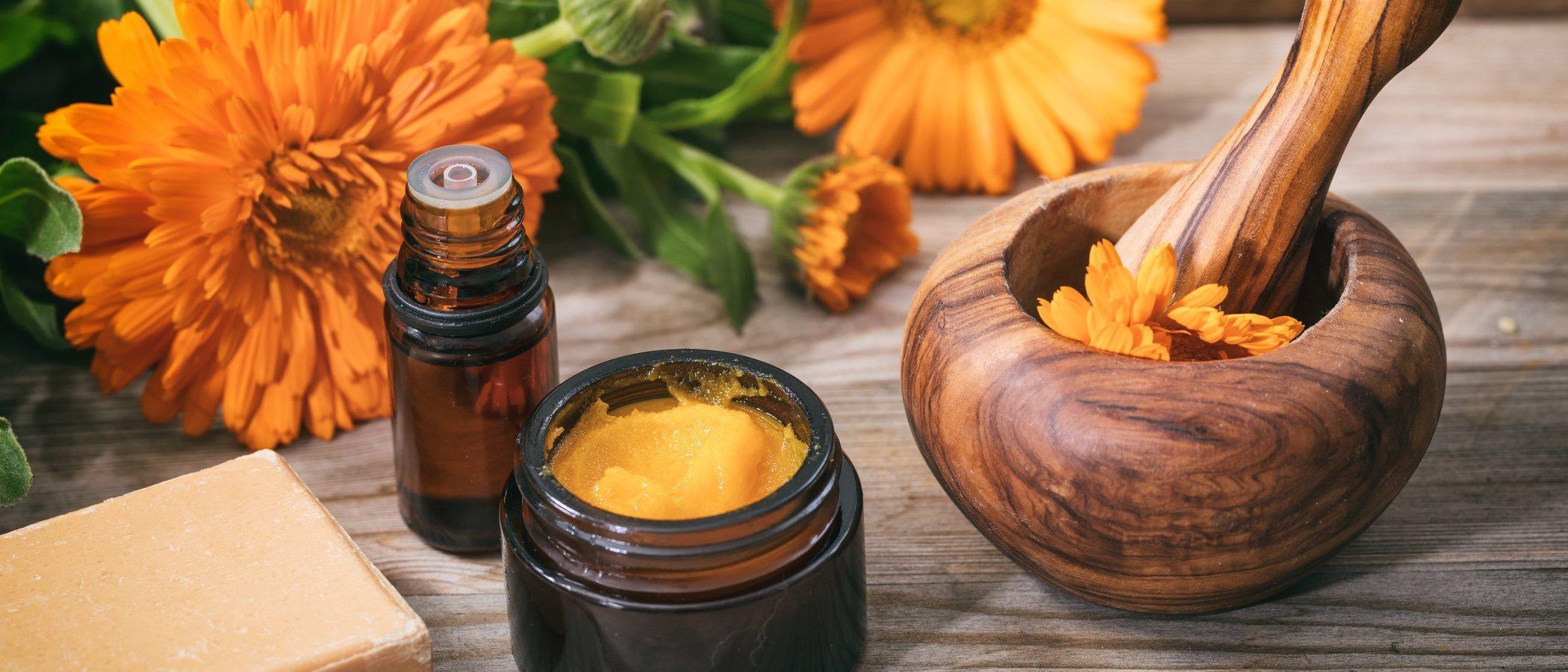 La caléndula en la elaboración de productos de belleza
