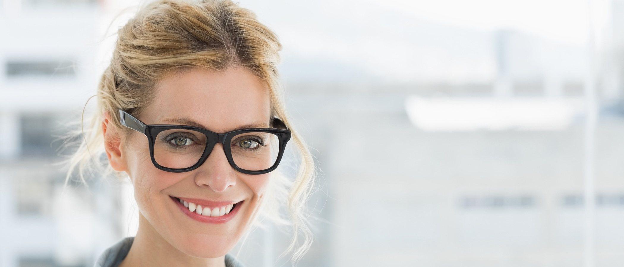 Peinados para estar más guapa si llevas gafas