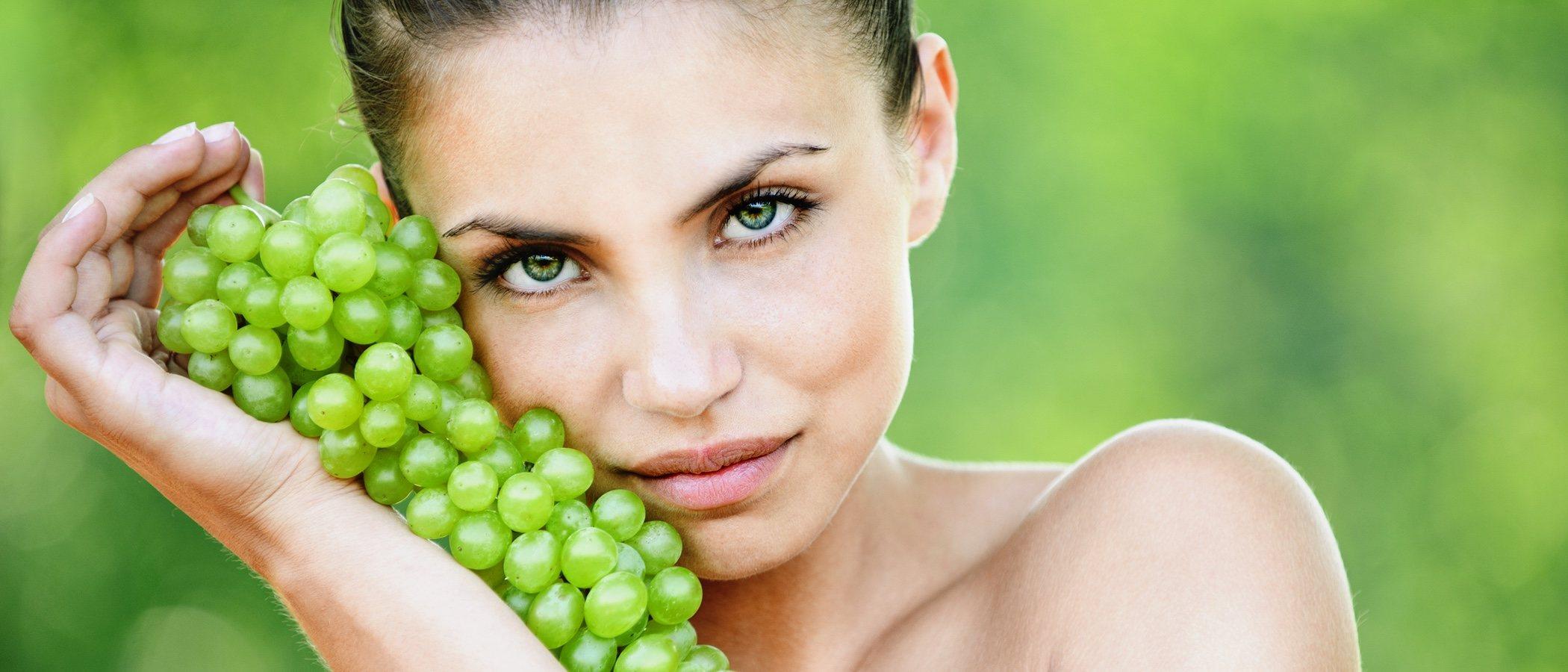 4 beneficios de las uvas para tu piel