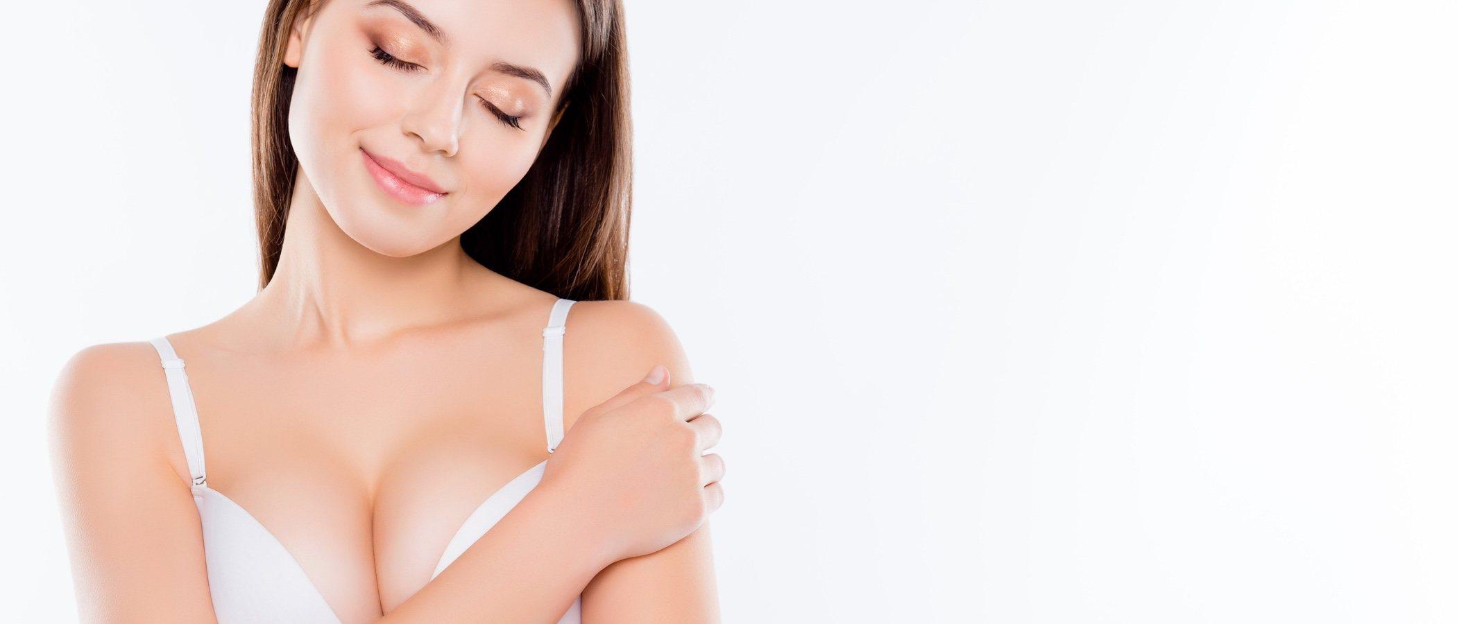 6 beneficios de tener los pechos pequeños