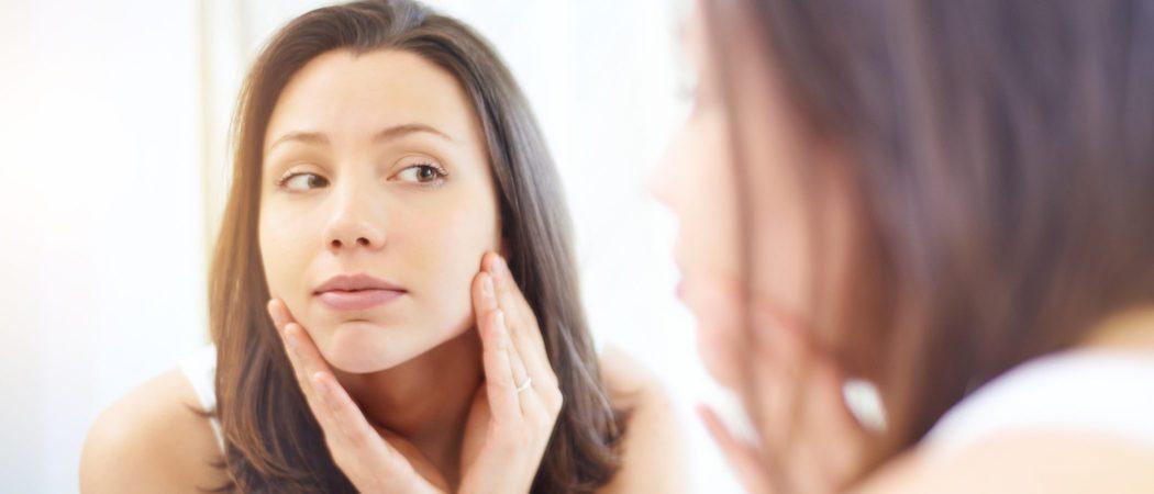 Automasaje en la cara para tonificar y relajar el rostro