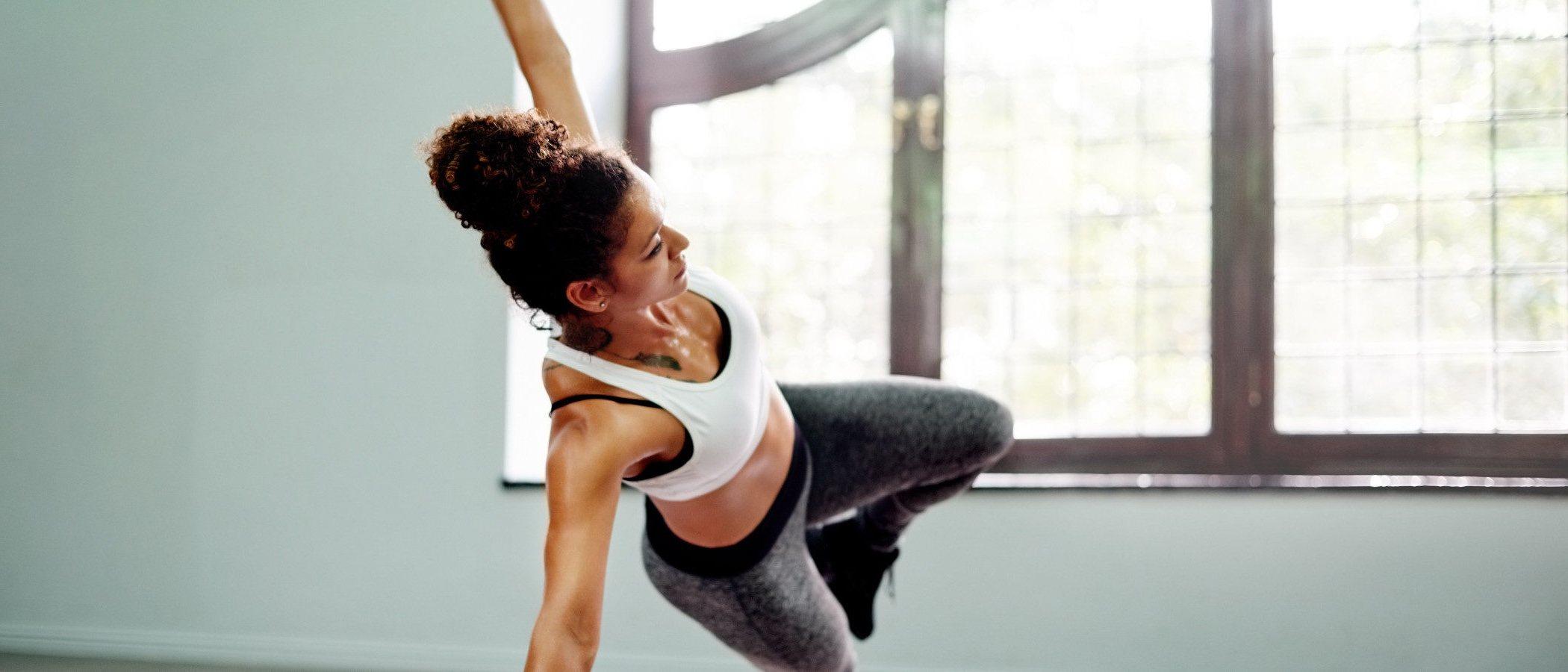 5 ejercicios para bajar los kilos de Navidad sin ir al gimnasio