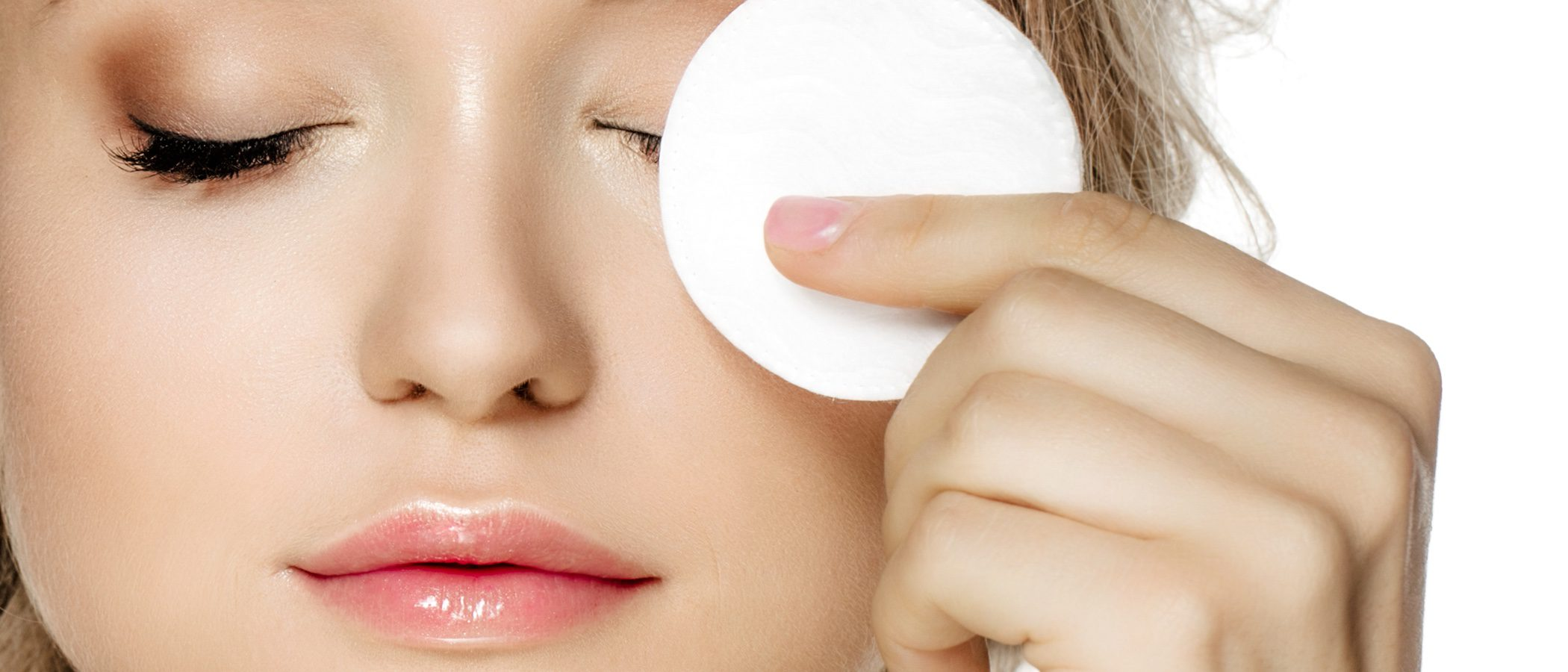 Cómo limpiar la piel grasa